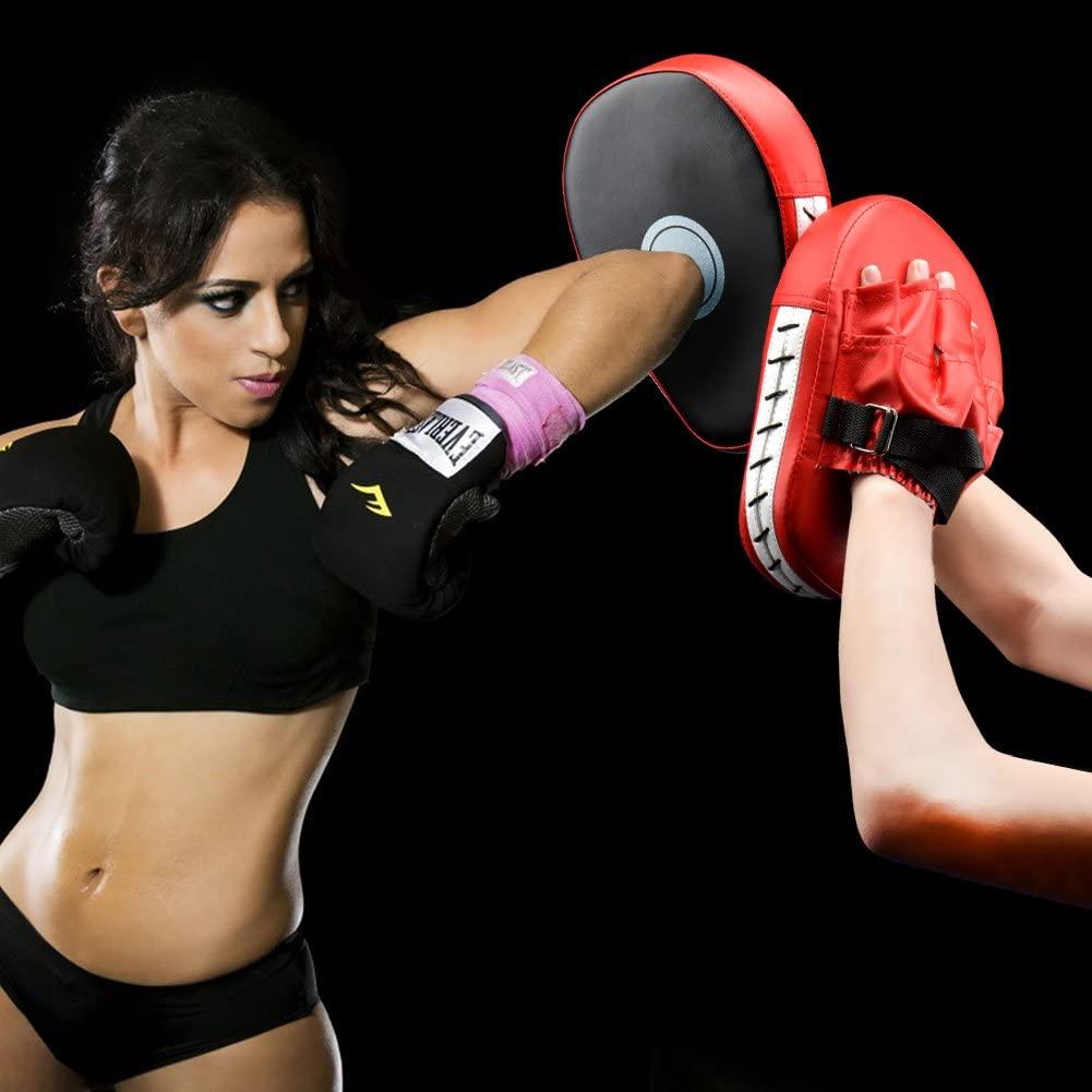 Entrenamiento de boxeo con manoplas
